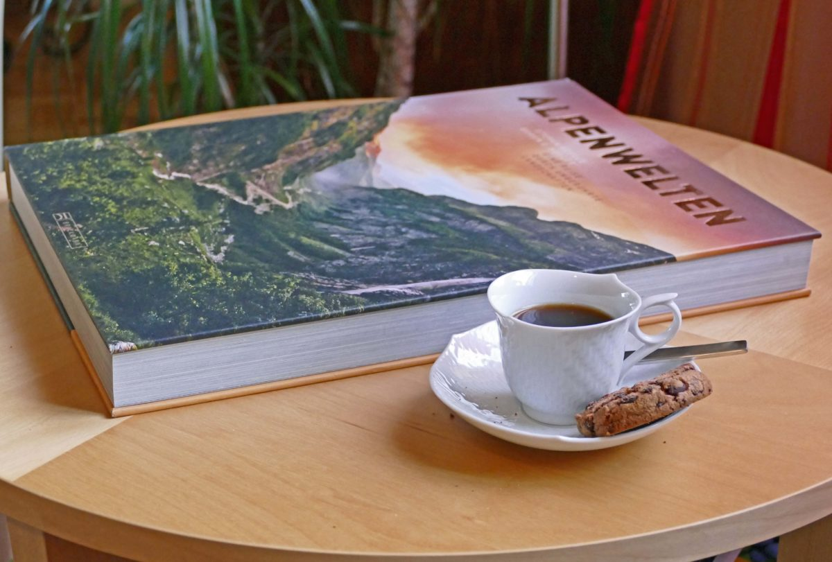 coffee table book 2017 alpenwelten