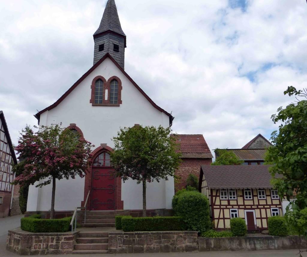 elisabethpfad in hessen damm kirche