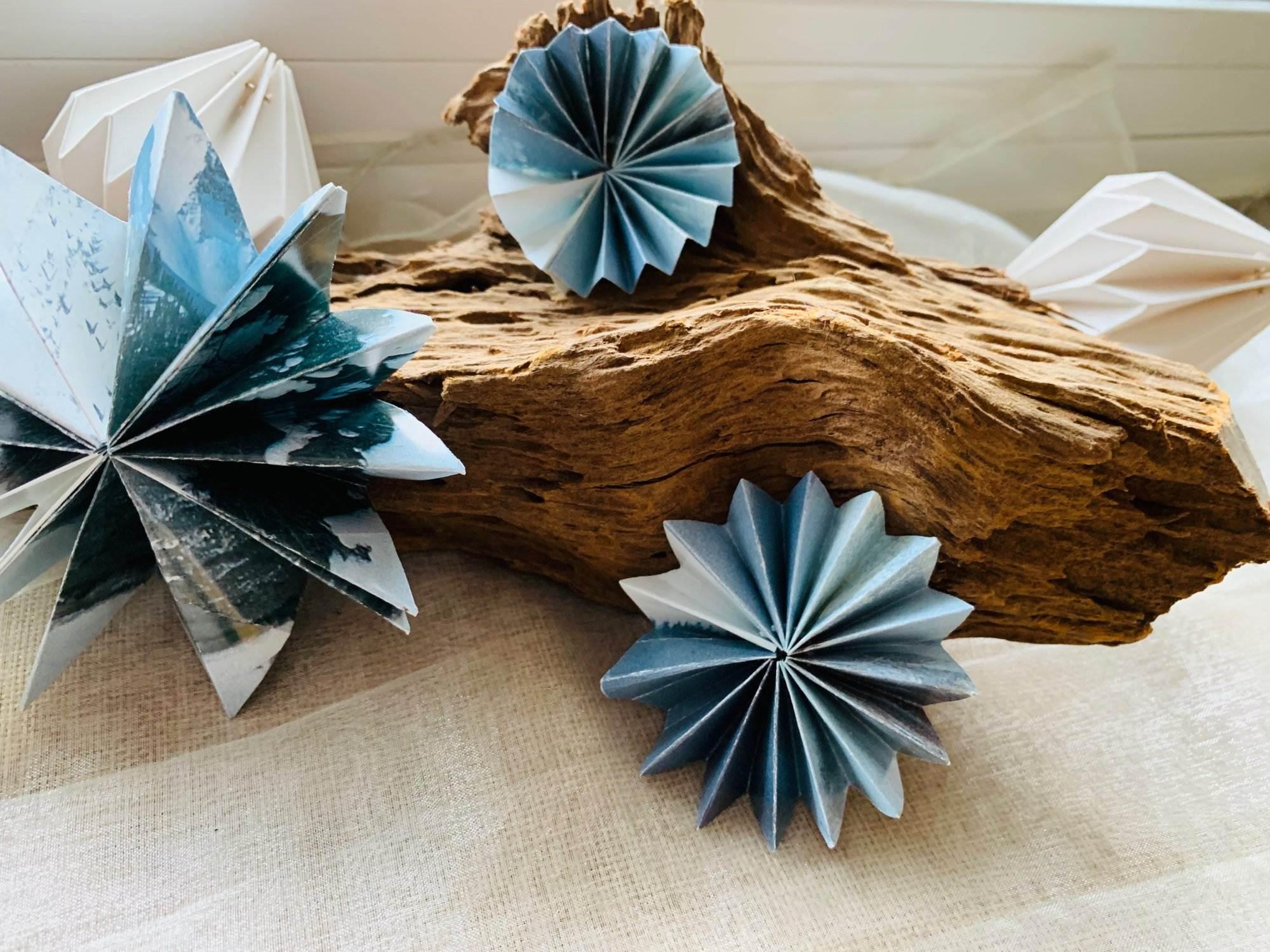 b cher falten winterliche deko aus alten buchseiten. Black Bedroom Furniture Sets. Home Design Ideas