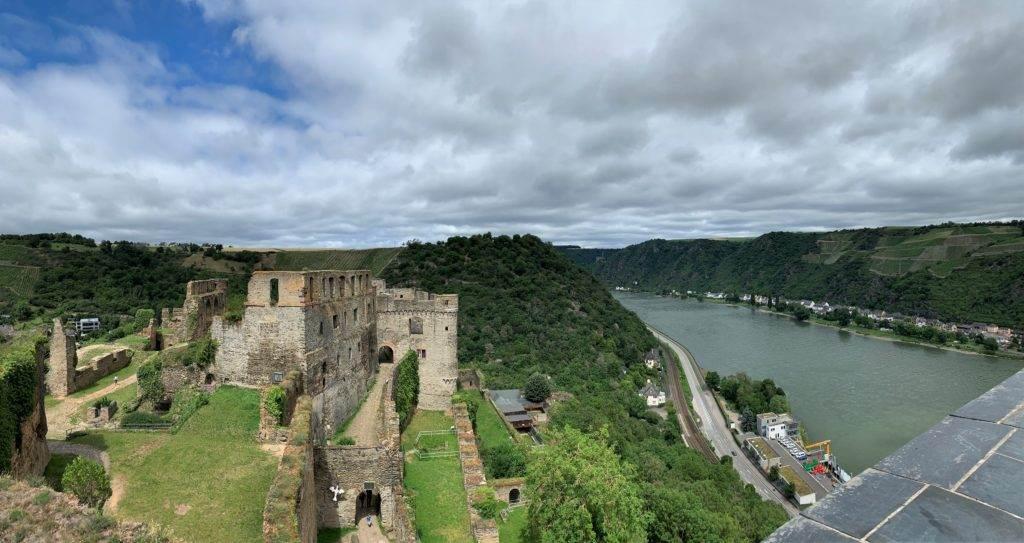 Blick von Burg Rheinfels bei st goar